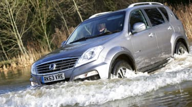 SsangYong Rexton W off-road