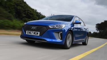 Hyundai Ioniq Plug-in - front tracking