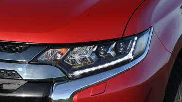 Mitsubishi Outlander PHEV - headlight