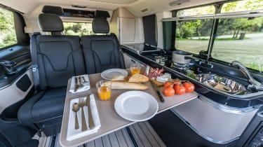 Mercedes V-Class Marco Polo - table