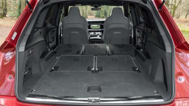 Audi SQ7 - boot seats down