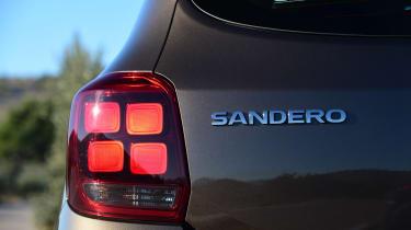 Dacia Sandero 2017 facelift rear lights