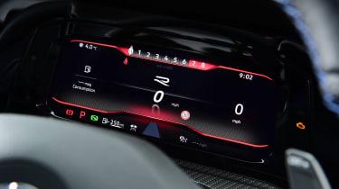Volkswagen Golf R - dials