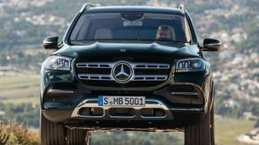 Mercedes GLS - green front action