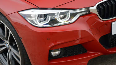 BMW 330e 2016 - headlight