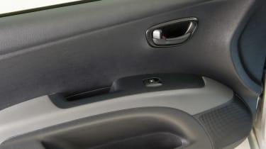Used Hyundai i10 - door