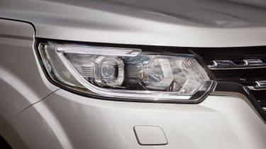 Renault Alaskan - front light detail