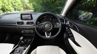 Mazda 3 Fastback - interior