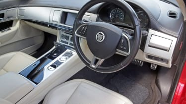 Used Jaguar XF - interior
