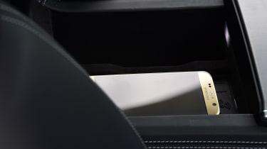 Audi A7 Sportback - wireless charging