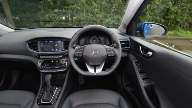 Hyundai Ioniq Plug-in - interior