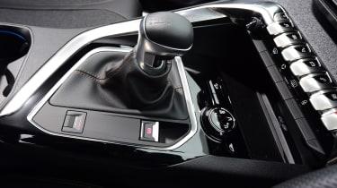 Peugeot 3008 - gear lever