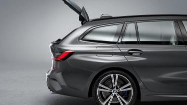 BMW 3 Series Touring - studio rear window open