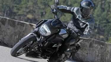 Ducati Diavel review - turning
