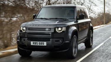 Land Rover Defender 110 V8 - front tracking