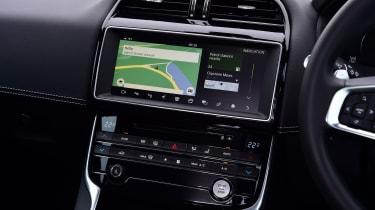 Jaguar XE - infotainment