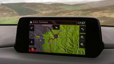 Mazda CX-5 2.2d Sport Nav - infotainment