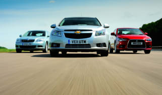 Skoda Octavia vs Chevrolet Cruze Hatchback vs Mitsubishi Lancer