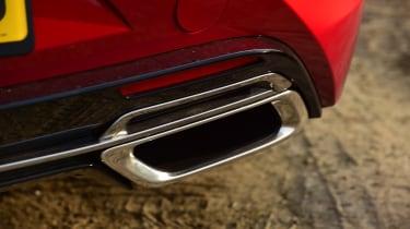 Lexus LC 500h - exhaust