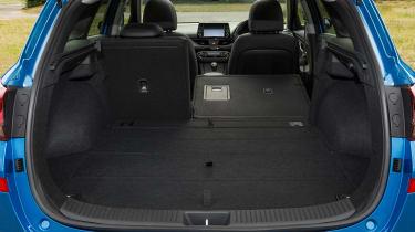 Hyundai i30 Tourer - boot seat down