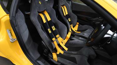 Ferrari 488 Pista - seats