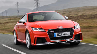 Audi TT RS 2016 - front tracking
