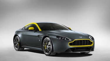 Aston Martin V8 Vantage N430 - green yellow