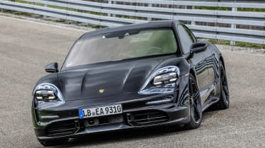 Porsche Taycan - front static
