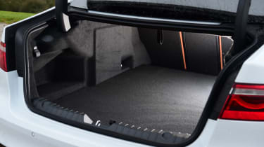 Jaguar XF facelift - boot