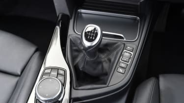 BMW 3 Series - centre console