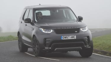Land Rover Discovery HSE Si6 - front action