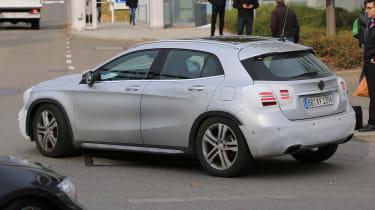 Mercedes GLA facelift 2017 spied 2