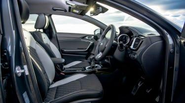 Kia Proceed - front seats