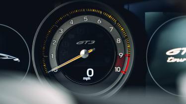 Porsche 911 GT3 Touring Package - dials