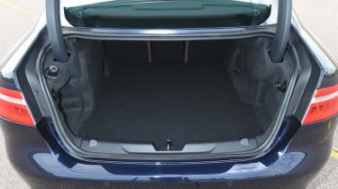 Jaguar XE AWD - boot