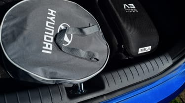 Hyundai Ioniq Plug-in - charging kit