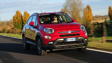 Fiat 500X - front tracking