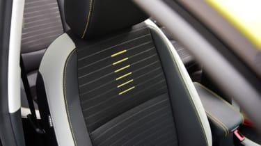Kia Stonic - front seat
