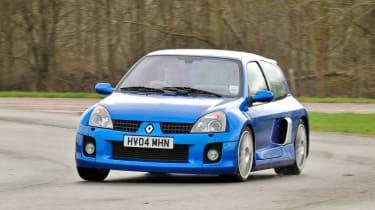 Clio V6 - front