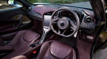 McLaren 720S - dash
