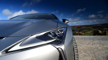 Lexus LC - front light