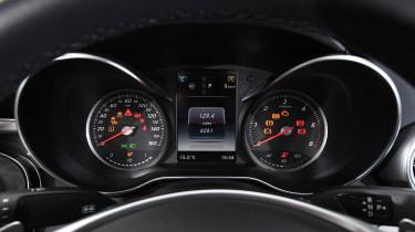 Mercedes C-Class Cabriolet - dials