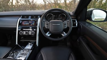 Used Land Rover Discovery 5 - dash