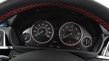 BMW 4 Series - dials