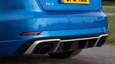 Audi RS 3 - exhausts