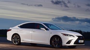 Lexus ES - front static