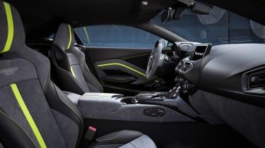 Aston Martin Vantage F1 Edition - cabin