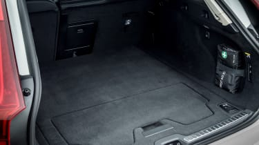 Volvo V90 Cross Country - boot side