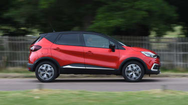 Renault Captur - side