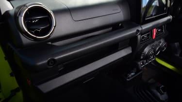 Suzuki Jimny -dashboard